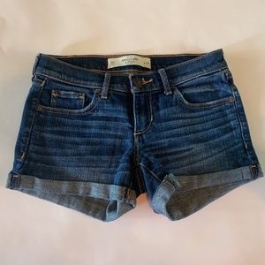 Abercrombie & Fitch denim shorts 00